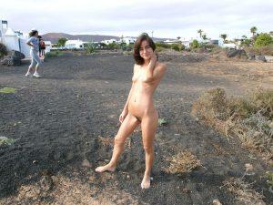 auf dem campingplatz nackt