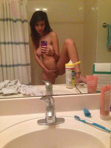 badezimmer spiegel nackt selfie