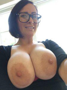 dicke titten selfie milf