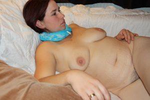 milf mit schwangerschaftsstreifen nackt foto privat