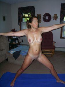 nackt yoga uebungen freundin schnappschuss privat