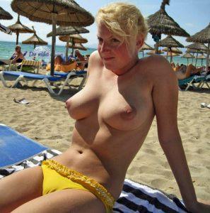 strand nackt busen oben ohne