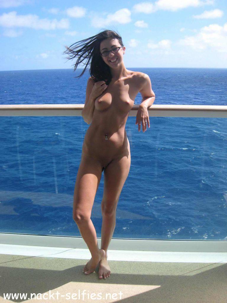 Im urlaub bilder nackt Im Urlaub