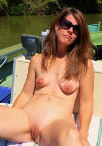 nacktfoto schlauchtitten auf motorboor