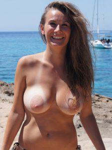 strand nacktfoto ehefrau mit grossen brustwarzen