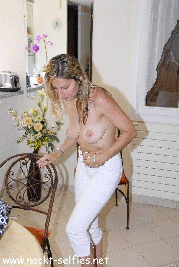 ehefrau nackt oben ohne