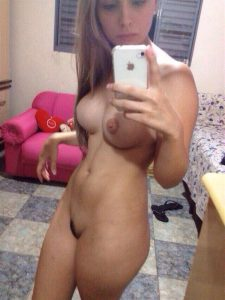 iphone selfie nude