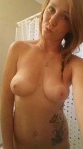 titten selfie 2