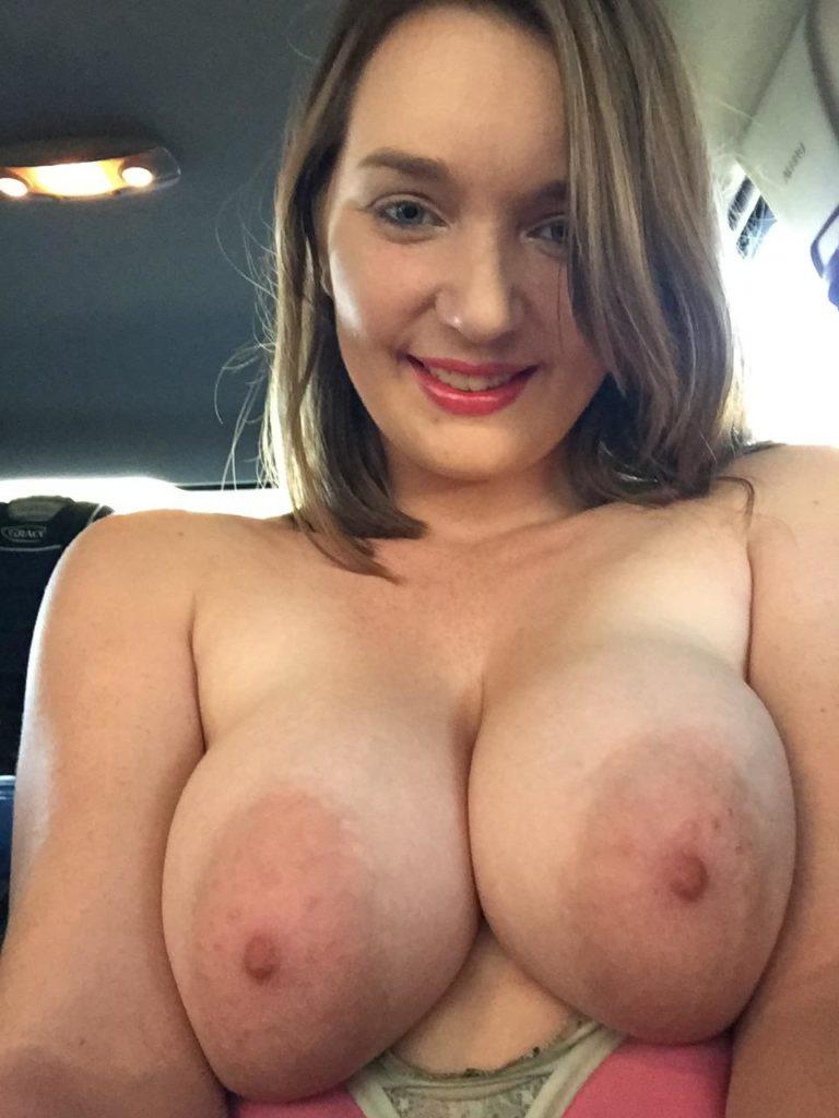 Dicke Titten Grosse Brustwarzen Nacktbild