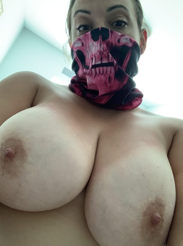 Anna Corona Maske Riesige Dicke Natuerliche Titten