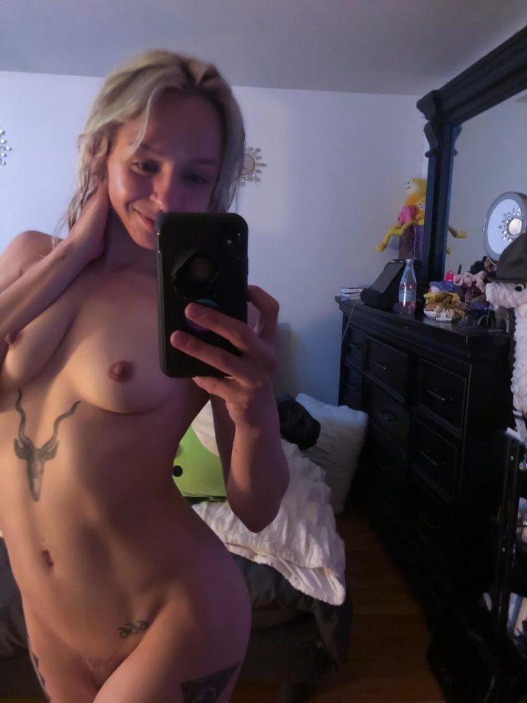 Anna Nackt Selfie